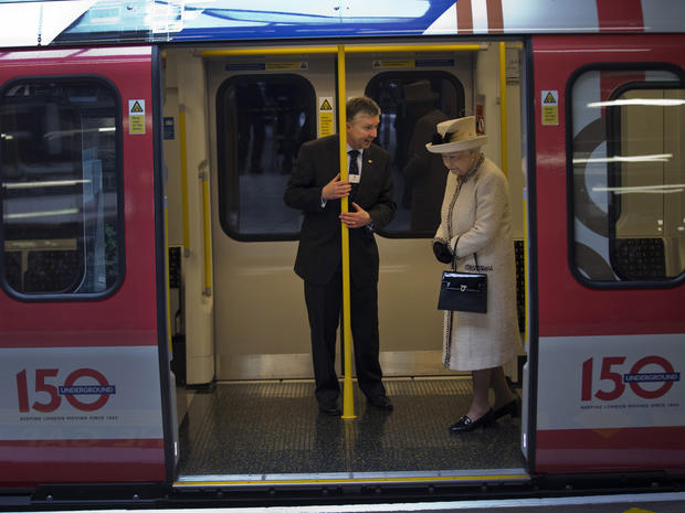 Queen, Kate mark London Underground anniversary