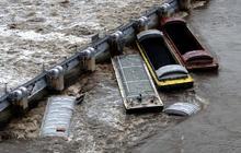 Spring floods threaten 10 states