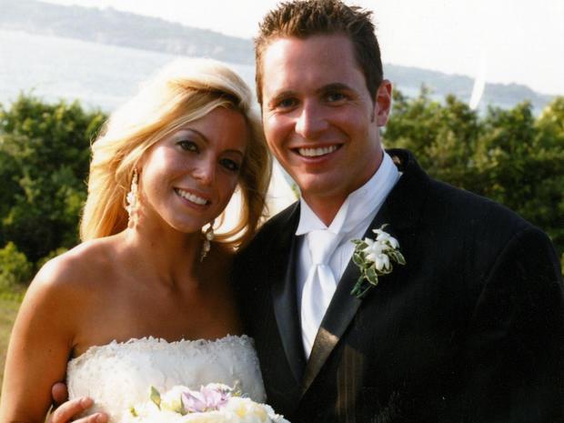 乔治和詹妮弗哈格尔在婚礼当天史密斯