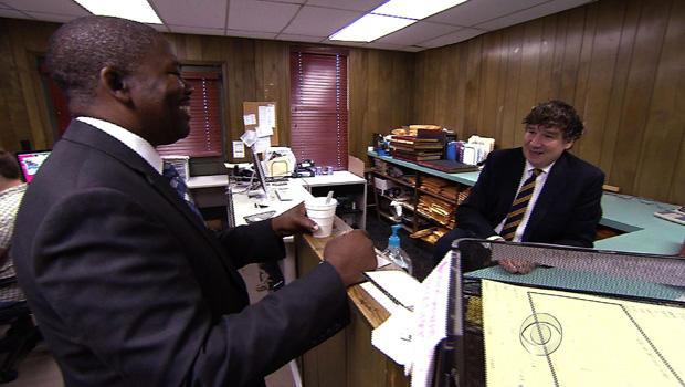Jim Prince(右)和LeRoy Clemons(左)