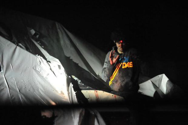 2013年4月19日,Dzhokhar Tsarnaev在马萨诸塞州沃特敦(Watertown)躲藏的一艘船上出现,他们在近24小时的时间内向当局搜捕。