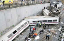 Deadly Spain train wreck: What caused it?