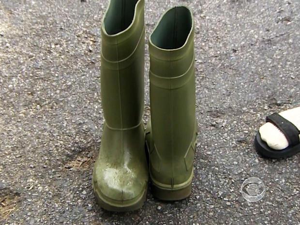 约翰·奥尔德里奇翻了个靴子,用它们作为花车。