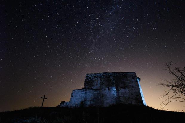 Perseid lights up sky