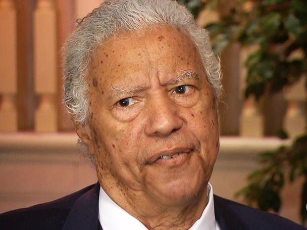 Leak and Sons的主管Spencer Leak说他对芝加哥的枪支暴力感到愤怒和悲伤。