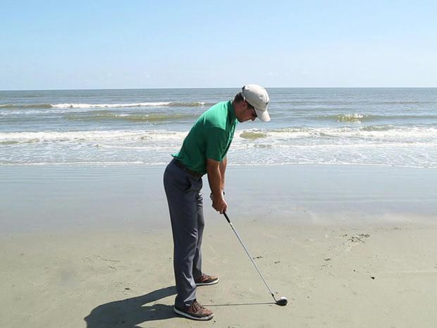 Luke Bielawski的最后一枪,带有可生物降解的高尔夫球,沉入大西洋。