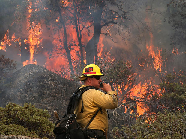 2013年8月24日,加利福尼亚州优胜美地国家公园与美国林务局消防队员克里斯·布罗萨德一同在收听广播时对他的电台进行了谈话。