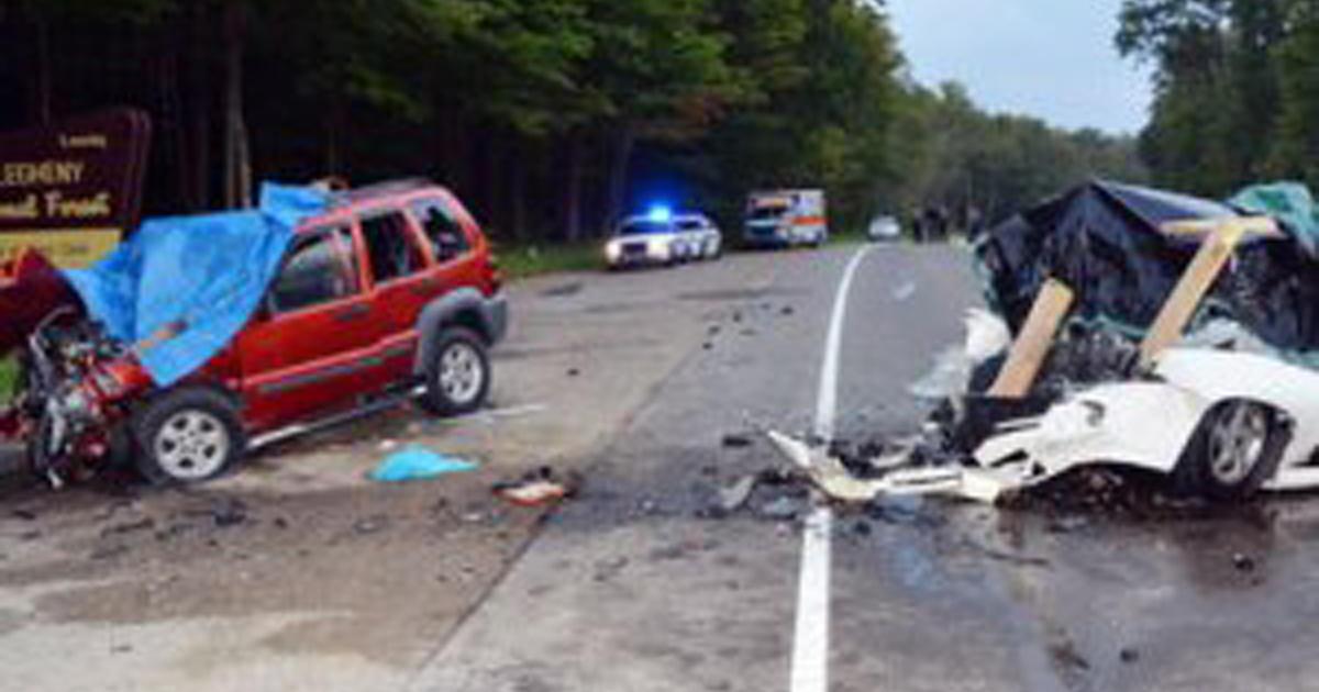6 killed in head-on car crash in northwestern Pa. - CBS News