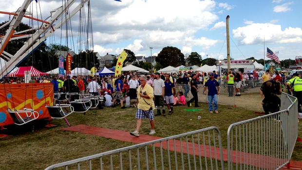 康涅狄格州诺沃克的Oyster Fest现场,于2013年9月8日失去了力量.13名儿童受伤。