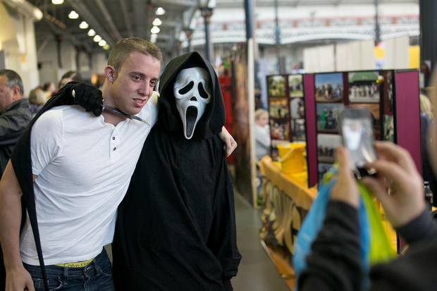 Comics fans flood London