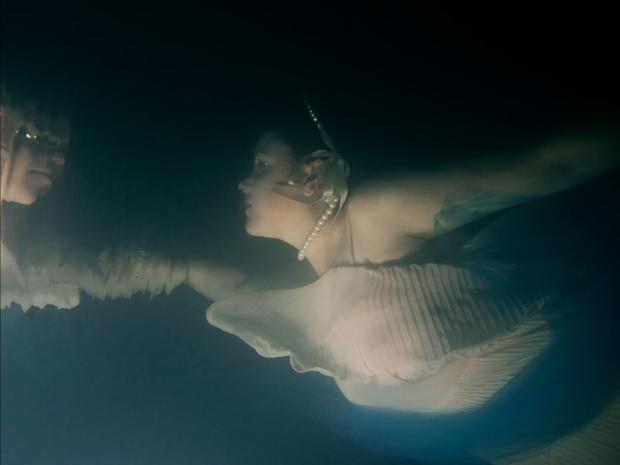 Underwater portraits of cancer survivors