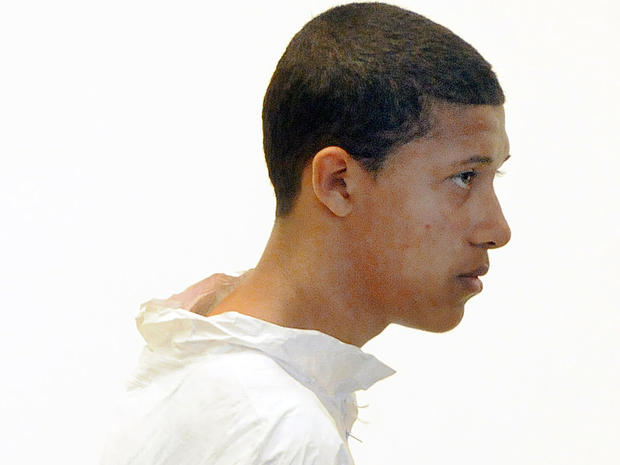 14岁的Philip Chism在2013年10月23日马萨诸塞州塞勒姆塞勒姆地方法院对Danvers高中老师Colleen Ritzer的死讯中提出异议。