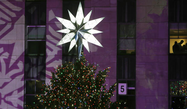 Rockefeller Christmas tree lights up