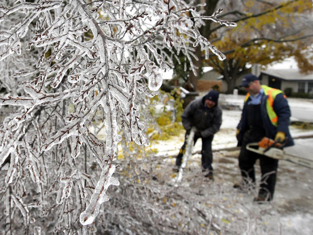Ice storm freezes Texas, South