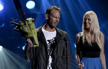 """Ian Ziering on """"Sharknado"""" sequel and being a dad"""