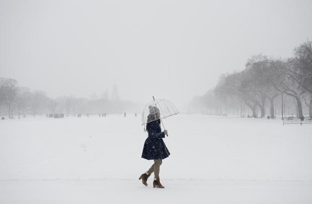 Snow and arctic temps sweep U.S.