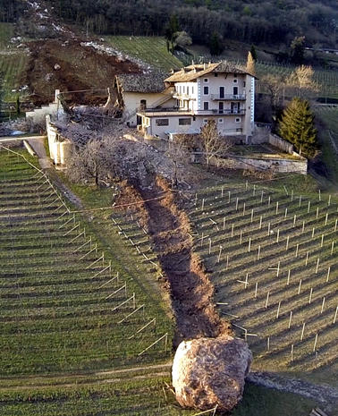 Boulder nearly destroys Italian farmhouse