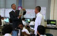 Obama has some fun with an iPad
