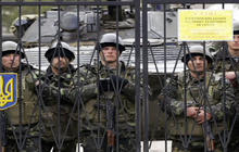 Ukraine mobilizes as Russian troops control Crimea