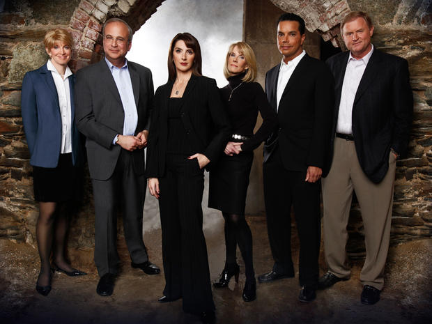 CBS renews 18 primetime shows for 2014-15