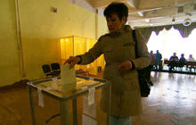 Crimea referendum: overwhelming support for joining Russia