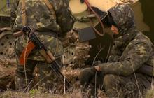 Ukrainian soldiers prepare for the worst