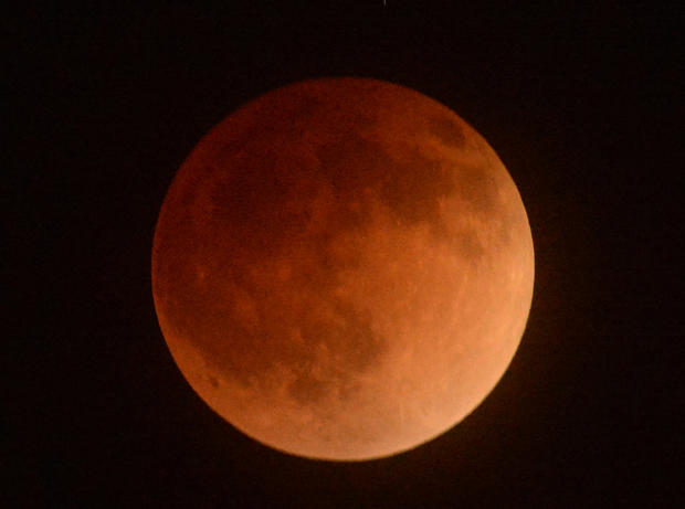 "Spectacular views of the ""Blood Moon"""