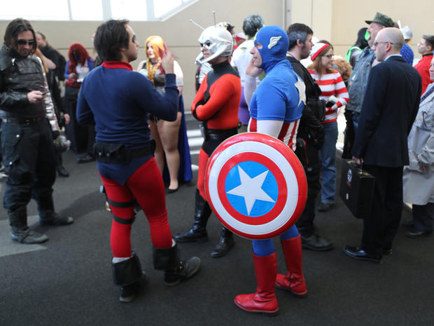 Comic fans converge at Chicago's C2E2