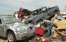 Tornadoes tear destructive path through South, Midwest