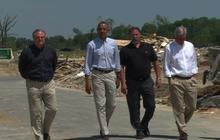 Obama visits with Arkansas tornado victims