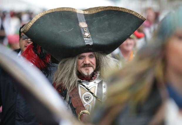 Pirates gather to break world record