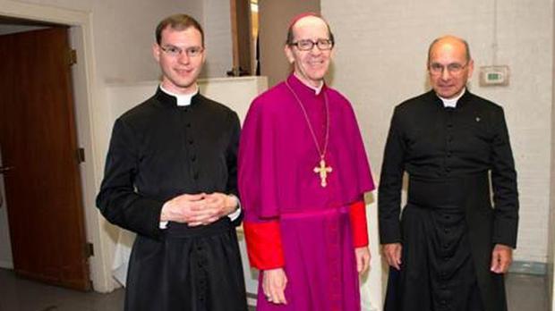 priests25758442bg4.jpg