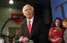 Democrats help put GOP Sen. Cochran back in office