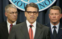 Texas Gov. Perry vows to deploy 1,000 National Guard troops to secure border