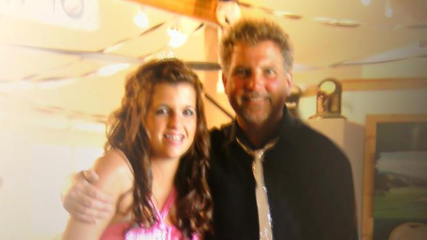 Mackenzie和她的父亲Reid Cowell
