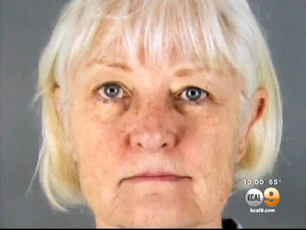 洛杉矶当局说,62岁的玛丽莲哈特曼在圣何塞 - 洛杉矶船上偷偷溜走。西南航空公司于2014年8月4日起飞并接受了该航班;她在洛杉矶国际机场被捕