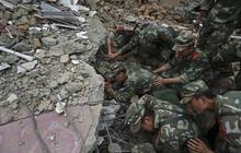 Earthquake cripples southwest China