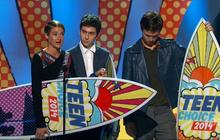 """Teen Choice Awards honor """"The Fault in Our Stars,"""" Ariana Grande and more"""