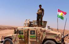 U.S. airstrikes help Kurdish troops fight off ISIS