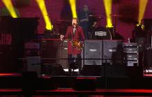 McCartney  plays out San Francisco stadium