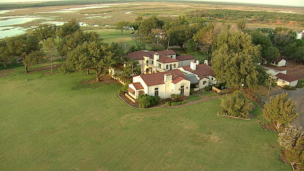 Sale Of Texas 39 Waggoner Ranch Could Be End Of Cowboy Way Of Life Cbs News