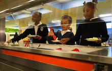 kids-at-salad-bar.jpg