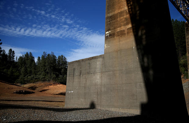 California drought drains lakes