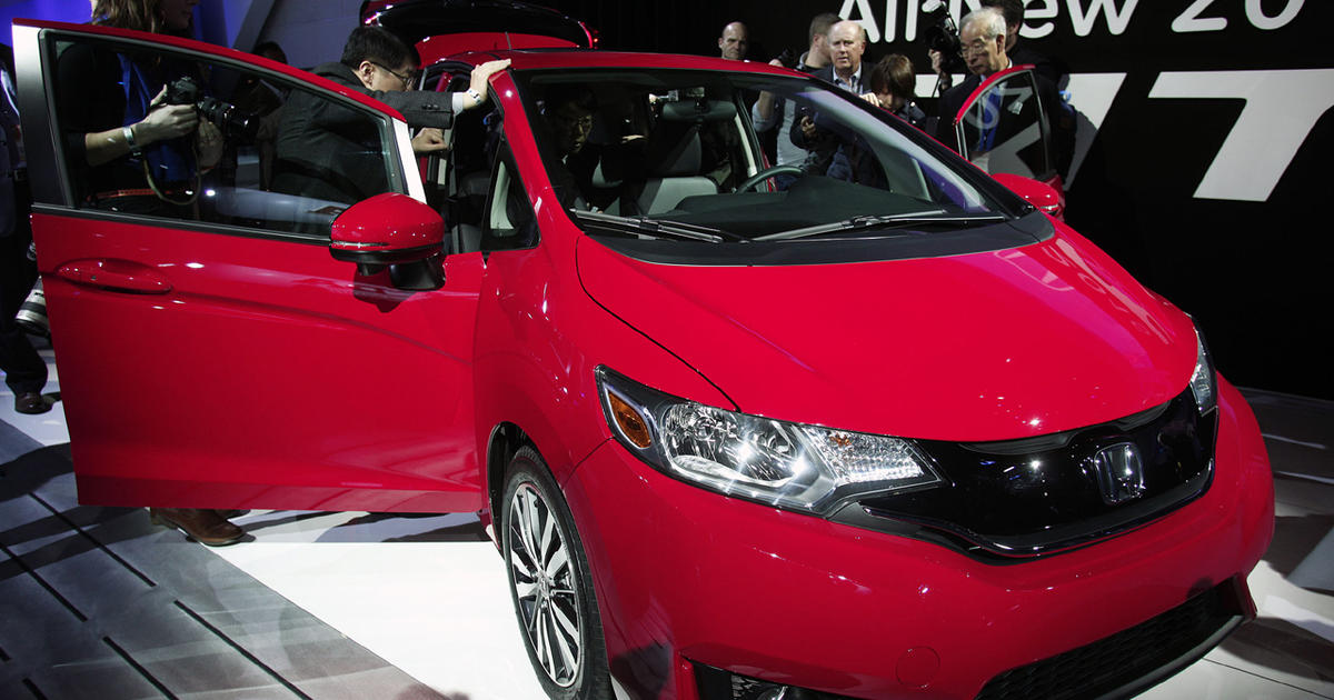 toyota corolla 7 tech loaded cars for under 20 000 cbs news. Black Bedroom Furniture Sets. Home Design Ideas