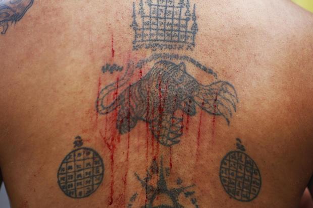 Bloody ritual at Thai festival