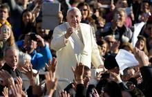 Pope Francis played role in changing Cuba-U.S. policy