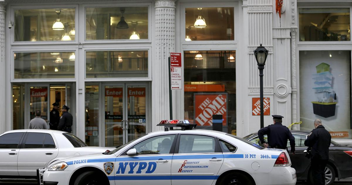 Two dead in nyc home depot store shooting cbs news for Home good stores nyc