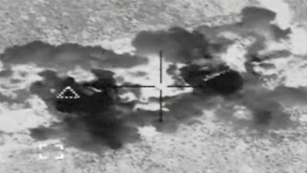 马丁 -  ISIS-PKG-splitframe423.jpg
