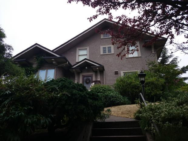 Roseanne 9 Real Homes Of Fake Tv Stars Cbs News