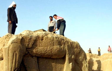 ISIS bulldozes ancient palace